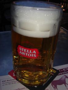 Belgian Beerオーベルジュ スクリーンオーナー       亜門君ベルギー一人旅