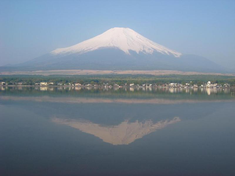 中野美奈子のパンチラ画像vs逆さ富士