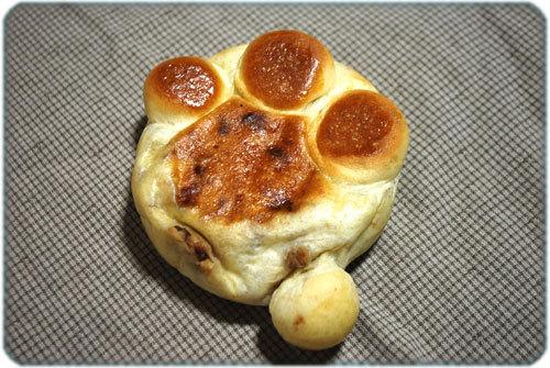 ひばらさんの栃木探訪-キャラパン にくきゅうパン
