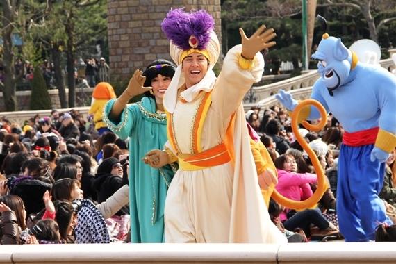 [Tokyo Disneyland] Mickey's PhilharMagic (24 janvier 2011) - Page 3 O0570038011025165798