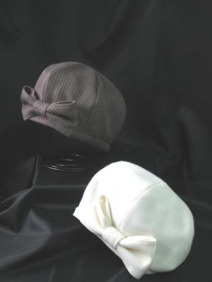 リボンのベレー帽