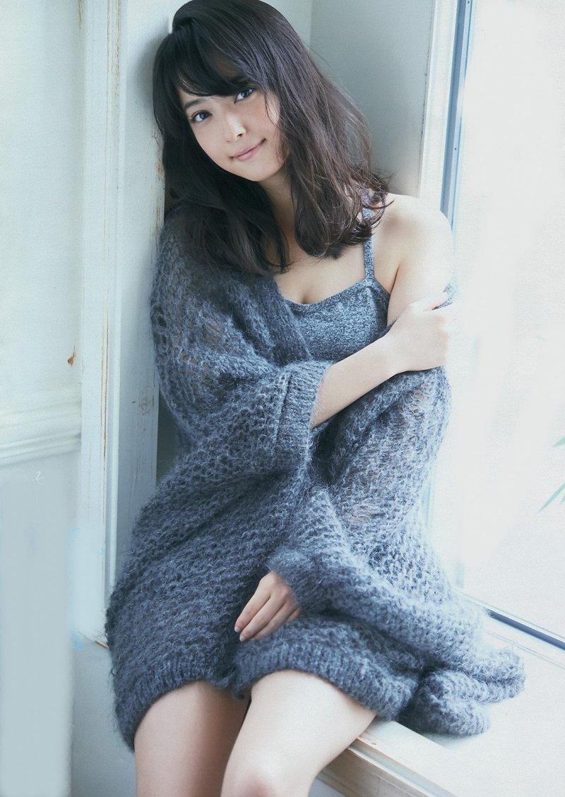 ファッションモデルの佐々木希さん
