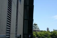 大阪城半分