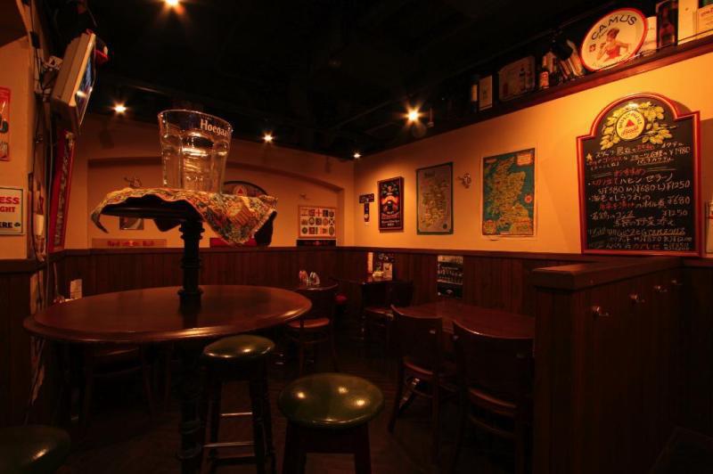 中野 PUB&BAR Abbot's Choiceのブログ ギネスビールやエールなど世界のビールとモルトウイスキー・カクテルのお店。-ホール席