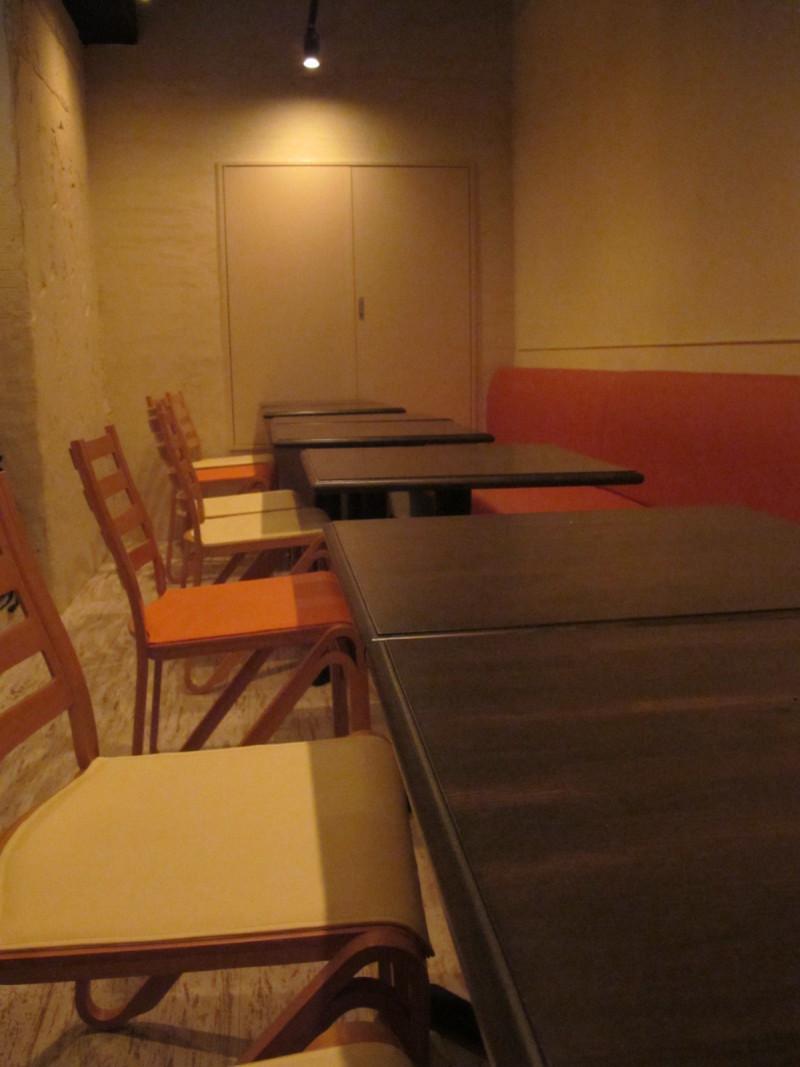 六本木クラフトビアバー Ant n' Bee アントンビーのブログLOVE CRAFT BEER!お勧めのビール情報など-ホール席(20席)