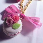 ピンク薔薇マカロンのバッグチャーム