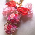 ピンクグラデ薔薇ボール天使のバッグチャーム